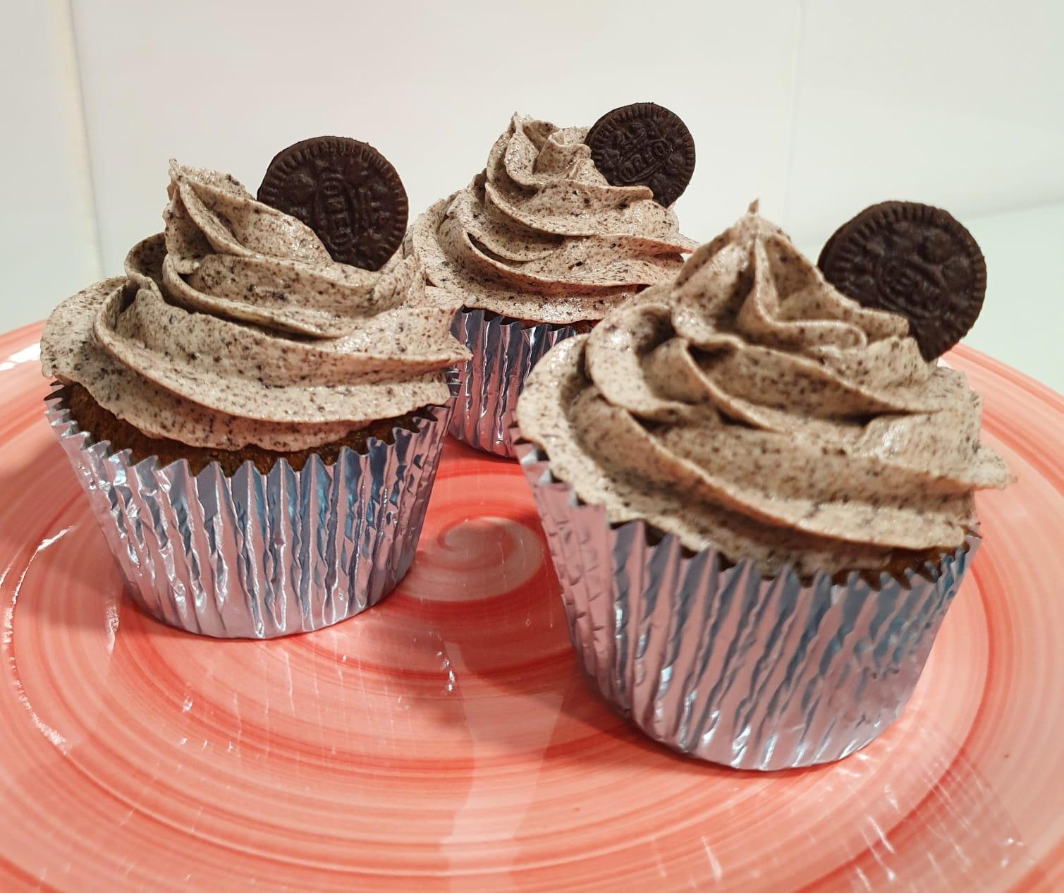 cupcakes de oreo y vainilla
